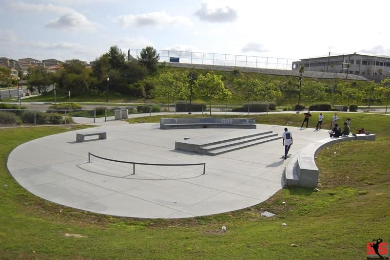 Chula Vista Winding Walk Skate Plaza